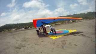 Kejuaraan  Gantolle  Hang Gliding spoot landing di Parangtritis