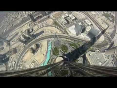 Mission Impossible: Ghost Protocol - Tom Cruise running down the skyscraper in Dubai