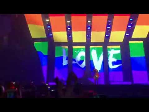 Panic! At The Disco - Girls/Girls/Boys (Manchester 30/3/19)