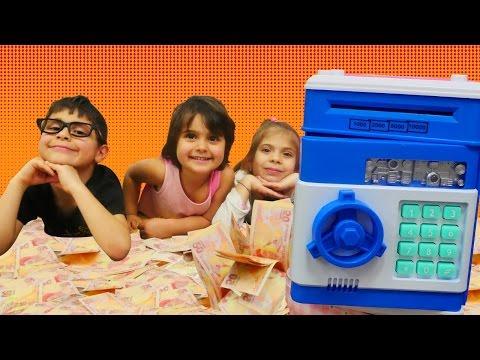 Findik Ailesinin Evine Hirsiz Giriyor Oyuncak Para Kasasi Ile Oynuyoruz Cocukdizisi
