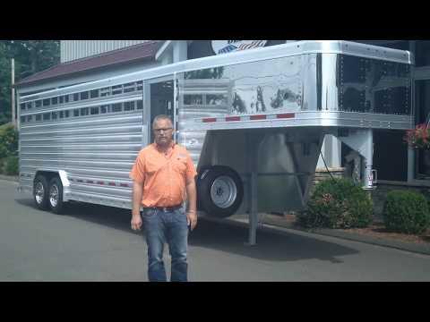 Featherlite 8' x 24' Gooseneck Livestock Trailer
