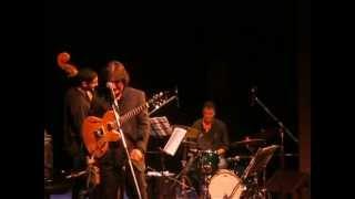 Jorge Armani interpreta Piazzolla