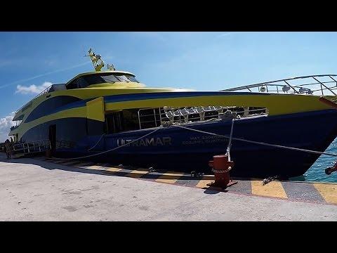 Ferry Playa del Carmen - Cozumel. Quintana Roo. México