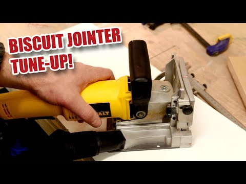 DeWalt Biscuit Jointer / Plate Joiner Truing up and Blade Changing DW682K [42]