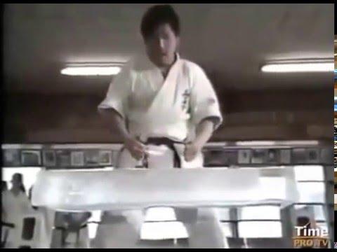 Training at the dojo of Mas Oyama, Tameshiwari Chronicle 1983