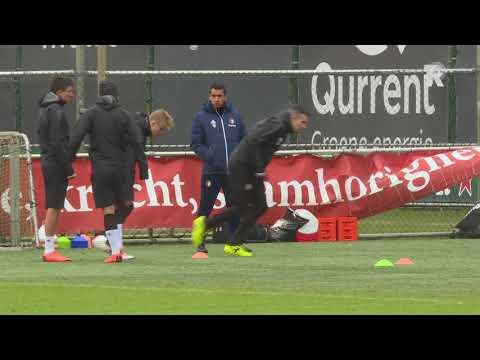 Feyenoord traint met Robin van Persie