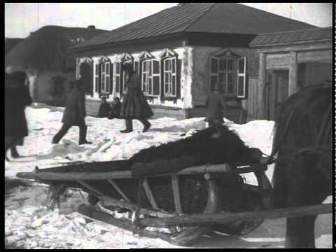 1930_0000 Переезд бедняка в дом кулака