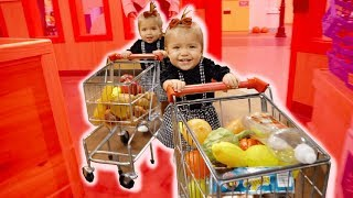 ONE YEAR OLD BABY SHOPPERS **IMAGINATION OVERLOAD**