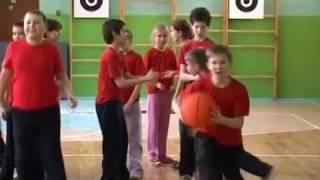 4-A класс гимназии №39 г.Уфа. Часть 3. Урок физкультуры