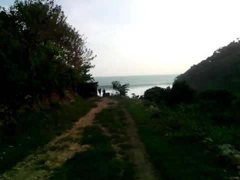tempat-wisata-baru-di-jogja-/-pantai-seruni-/-pantai-ombak-besar-yang-indah