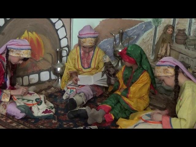Изображение предпросмотра прочтения – «Клуб по интересам в детской библиотеке МЦРБ» читают произведение «Хайдакские сказки» У.У.Гасановой