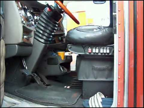 Camion americain 2 youtube for Camion americain interieur cabine
