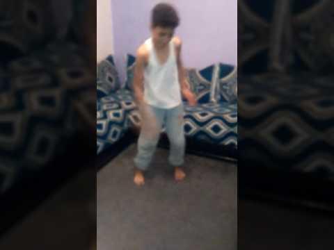 اخطر طفل في رقص 2017 thumbnail