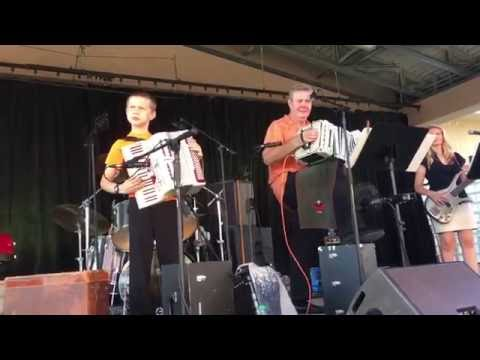 2016 Minnesota State Fair - Craig Ebel & DyVersaCo - Polka Music Can