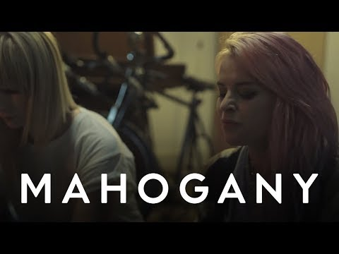 Kyla La Grange - Cut Your Teeth | Mahogany Session