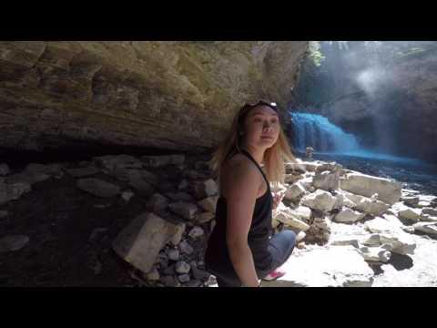 Johnston canyon/ Secret Cave