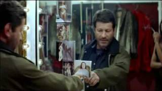 Um tiro no escuro (Trailer)