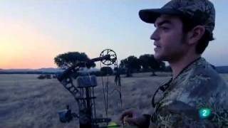 caza con arco de poleas rabbit hunting with a bow of pulleys parte 1 2