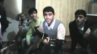 Смотреть всем !!!!!! Таджик классно играет на гитаре и поёт !!!!!!