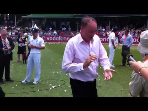 aggers's-sprinkler-dance-after-england-win-the-ashes-2010/11