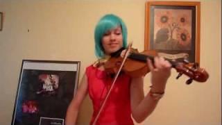 Lara plays the Dragon Ball Z theme cha la la on violin (cosplay)