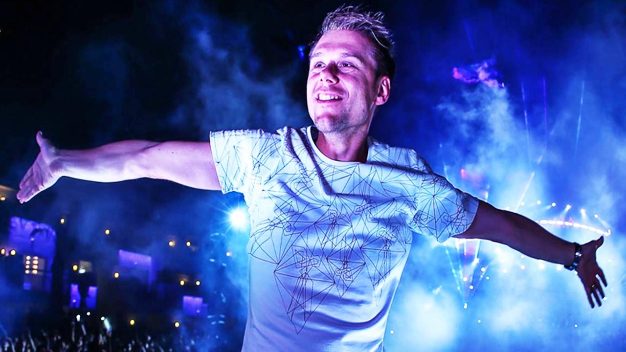 Скачать Armin van Buuren - Ultra Music Festival 2013
