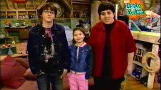 "ULTRA RARE: Drake & Josh Pick Intro to ""Dune Buggy"" (February 27, 2004)"