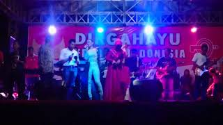 Video ENDAH ACADEMY 2 duet SAHRANI Kades desa TARJUN kal-sel di acara puncak 17 agustus 2017 download MP3, 3GP, MP4, WEBM, AVI, FLV Maret 2018