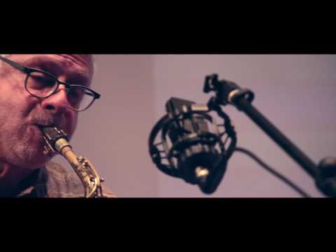 video:Almir Côrtes Trio + Harvey Wainapel - Teclas Pretas + Donna Lee / Arr. N. Proveta