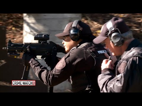Meet the Only Woman on Philadephias SWAT Team - Crime Watch Daily