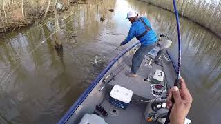 LAKE VERRET (BAY NATCHEZ) SPAWN CRAPPIE FISHING  2/18/2018