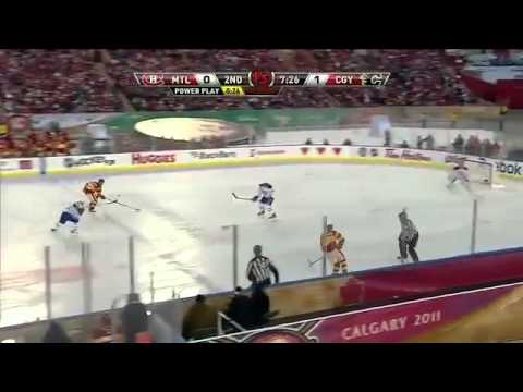 0589533b925 NHL  2011 Heritage Classic Highlights 2 20 11 - YouTube