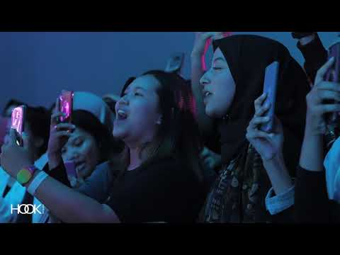Pamungkas - Kenangan Manis (Live at Flying Solo Tour Chapter Jogja).mp3