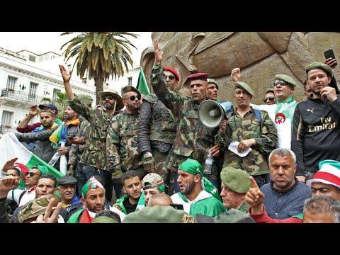 حشود الجزائريين في شوارع المدن الكبرى للجمعة التاسعة للمطالبة برحيل النظام  - نشر قبل 2 ساعة