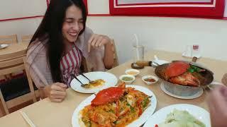 曼谷地道街頭上的大蟹店