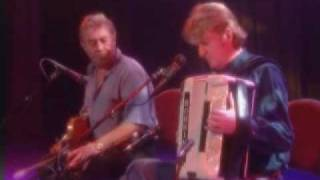 PHIL CUNNINGHAM. Another musical interlude 8.wmv