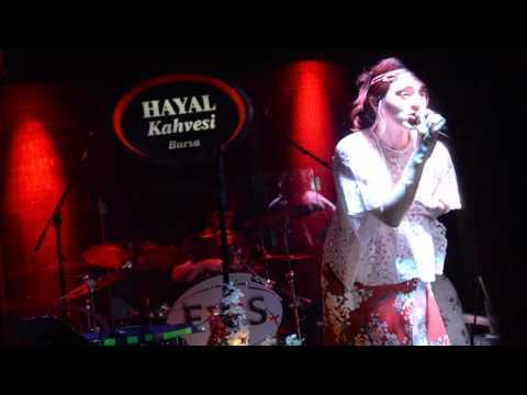 Ceylan Ertem-Gel Sevelim Sevileni /ÇUKUR DİZİSİ Hayal Kahvesi Bursa Live