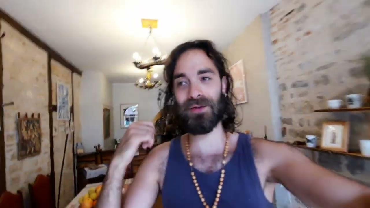 Montjoie ! Saint-Denis ! Le 1er Youtubeur qui porte ses Baloches !