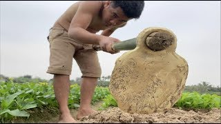 Primitive Technology: Making labor tools (Hoe) and Search for metal (gold or copper)