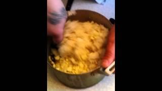 Готовим вместе: рыбный салат с рисом ( 2 выпуск)