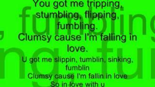 Clumsy - Fergie. lyrics