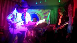 Burning of The Midnight Lamp- Hendrix cover- EXP live in London.