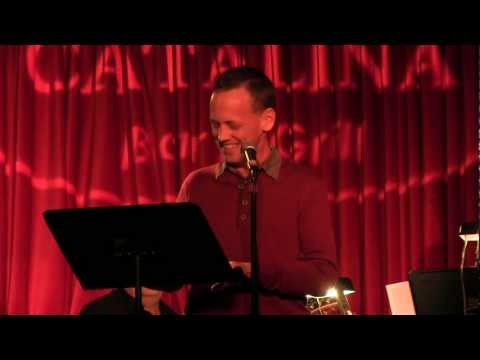 Dee Bradley Baker, American Dad's Klaus, Teaches Us About A German Christmas! streaming vf