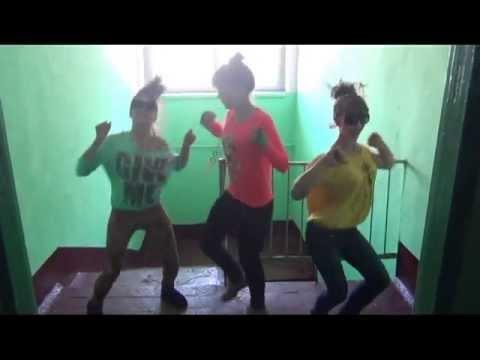 #Солевая-3: Пьяную 17-летнюю студентку несколько человек
