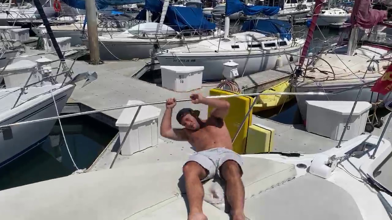 Bryce Boat Workout (Netflix's 'Too Hot To Handle')