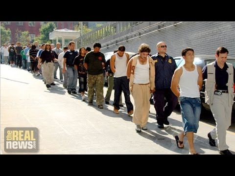 """Immigration """"Bed Mandate"""" Requires 34,000 People Detained Each Day"""