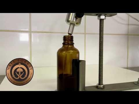 8. lépés: Naja Forest bio gyógygombakivonatok üvegbe töltése