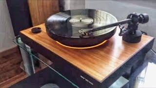 A FASCINATING FLOATING TURNTABLE