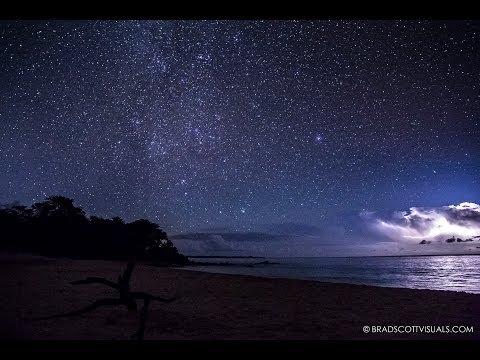 Amazing Night Time Lapse - Stars and Lightning at Big Beach, Maui, Hawaii