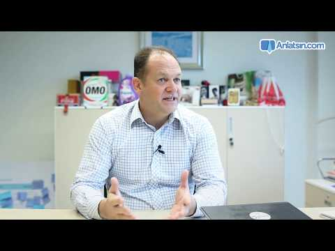 What is the structure of Unilever Human Resources Department?